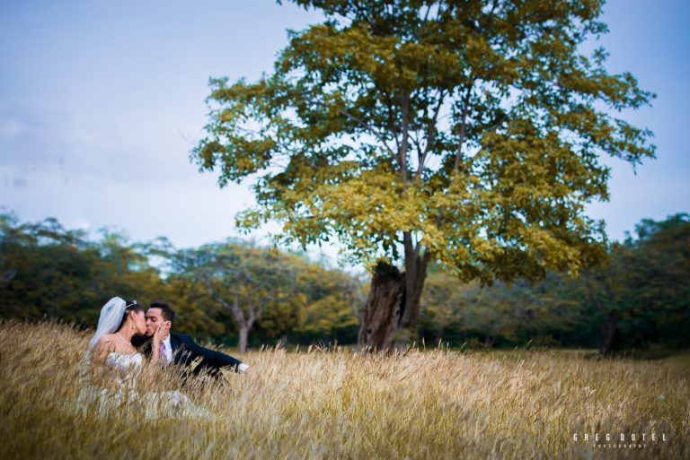 sesion de fotos de novios en santo domingo republica dominicana por el fotografo dominicano greg dotel photography en el parque mirador sur