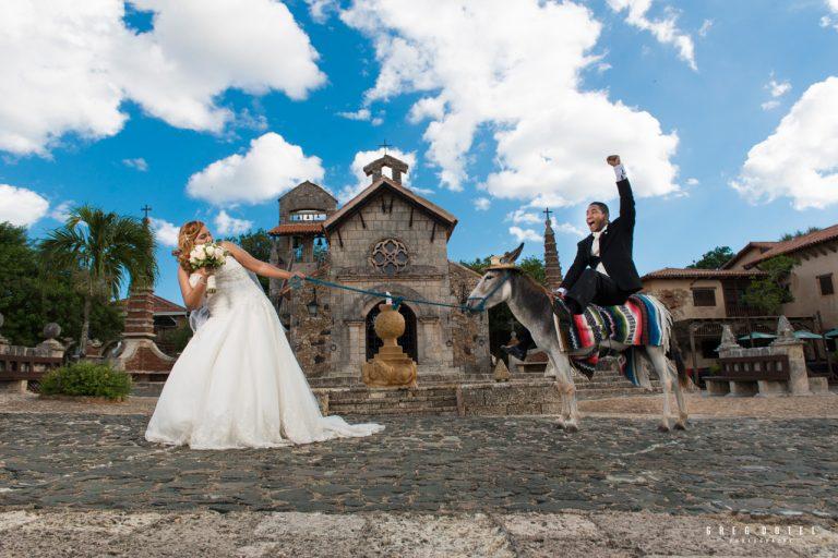 Sesion de novios de Flix y Julia en altos de chavon, la romana, republica dominicana por el fotogrado dominicano Greg Dotel