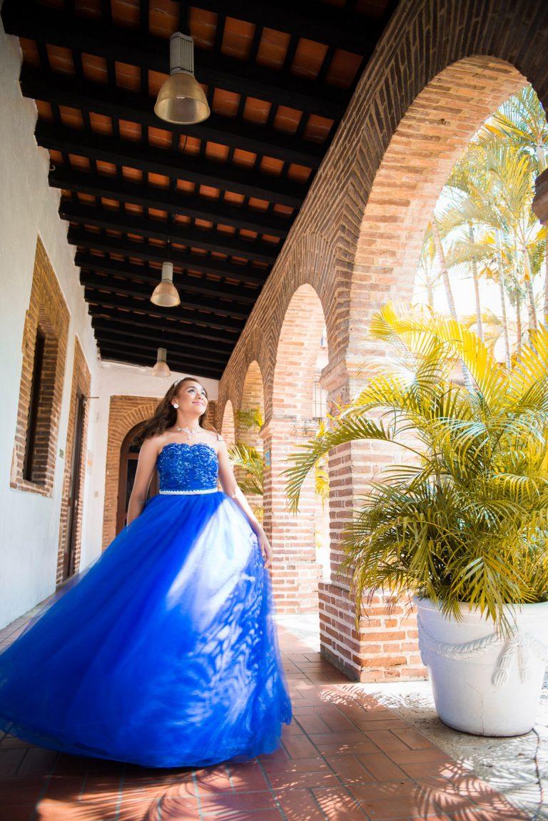 Karen en sus quince años en la Zona Colonial de Santo Domingo Republica Dominicana