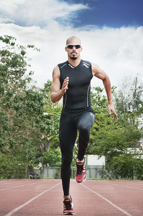 felix sanchez atleta dominicano fotografia por greg dotel en el estadio olimpico