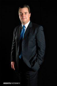 retrato corporativo a manuel diez ejecutivo dominicano por greg dotel