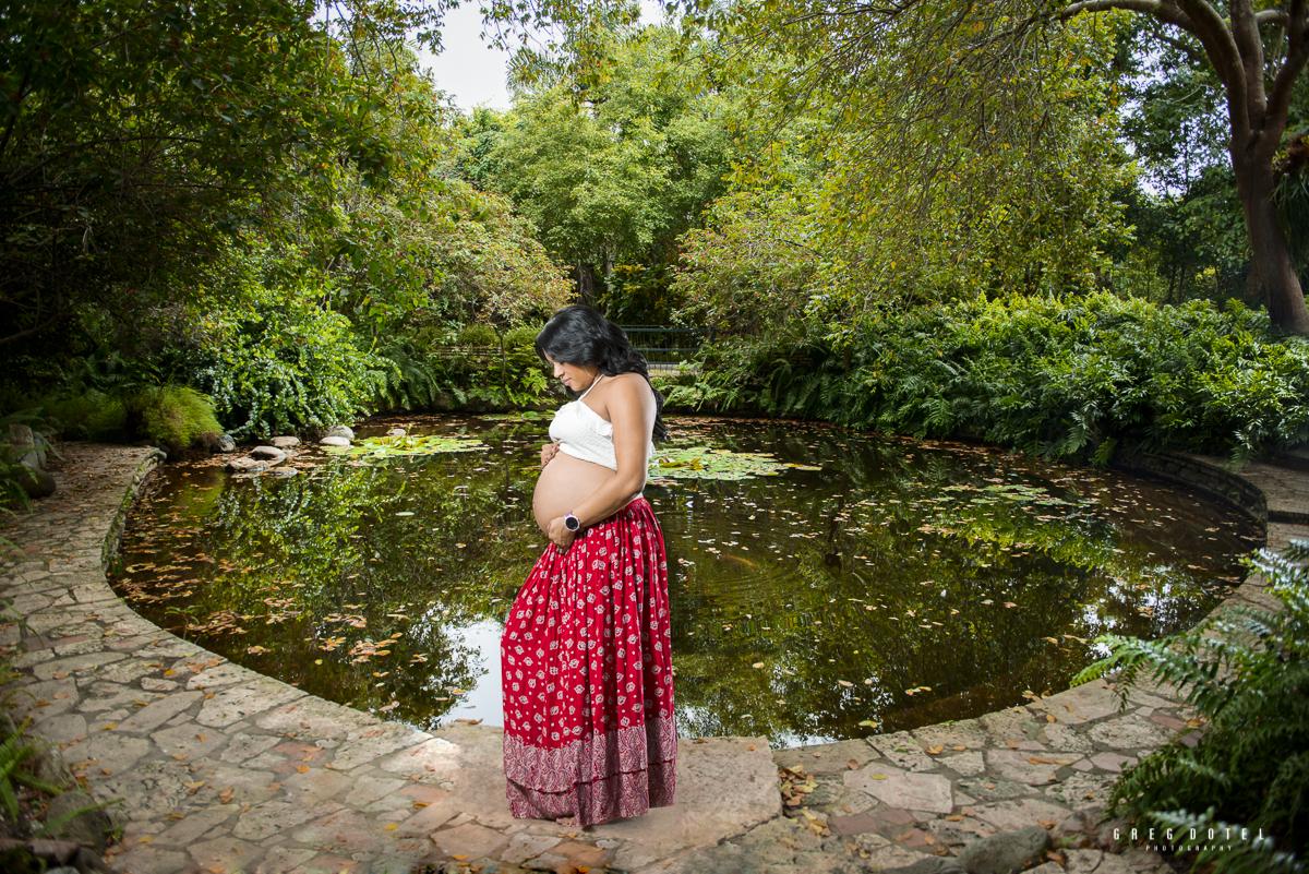 sesion de fotos a embarazada en el jardin botanico fotografo greg dotel