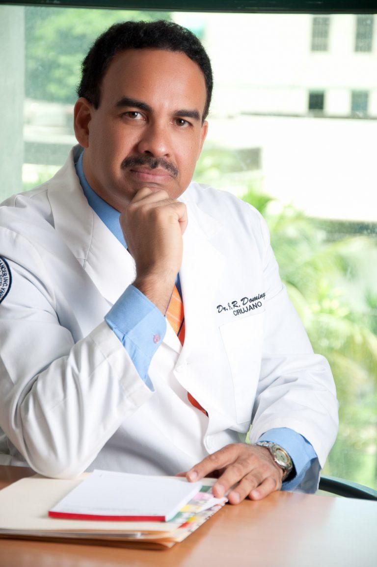 Dr. Cirujano Jr Dominguez por fotógrafo GregDotel