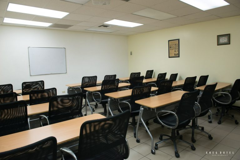 Fotografo profesional de interiores y arquitectura realizo fotos interiores de los salones de Servieventos en Santo Domingo