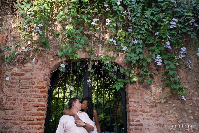 Fotografo sesion de fotos de novios y bodas en la Zona Colonial de Santo Domingo, República Dominicana