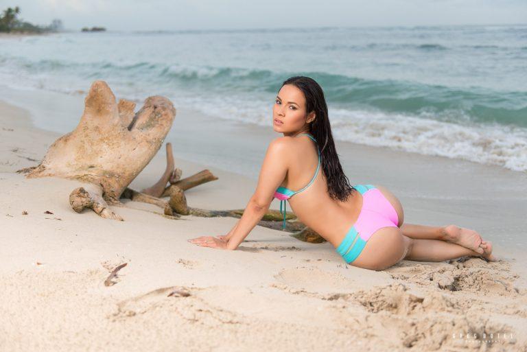 Fotografo profesional de sesion personal en la playa de Juan Dolio, República Dominicana