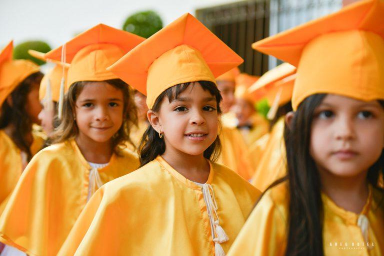Fotos de graduación escolar primaria en Santo Domingo Republica Dominicana por el fotografo dominicano Greg Dotel