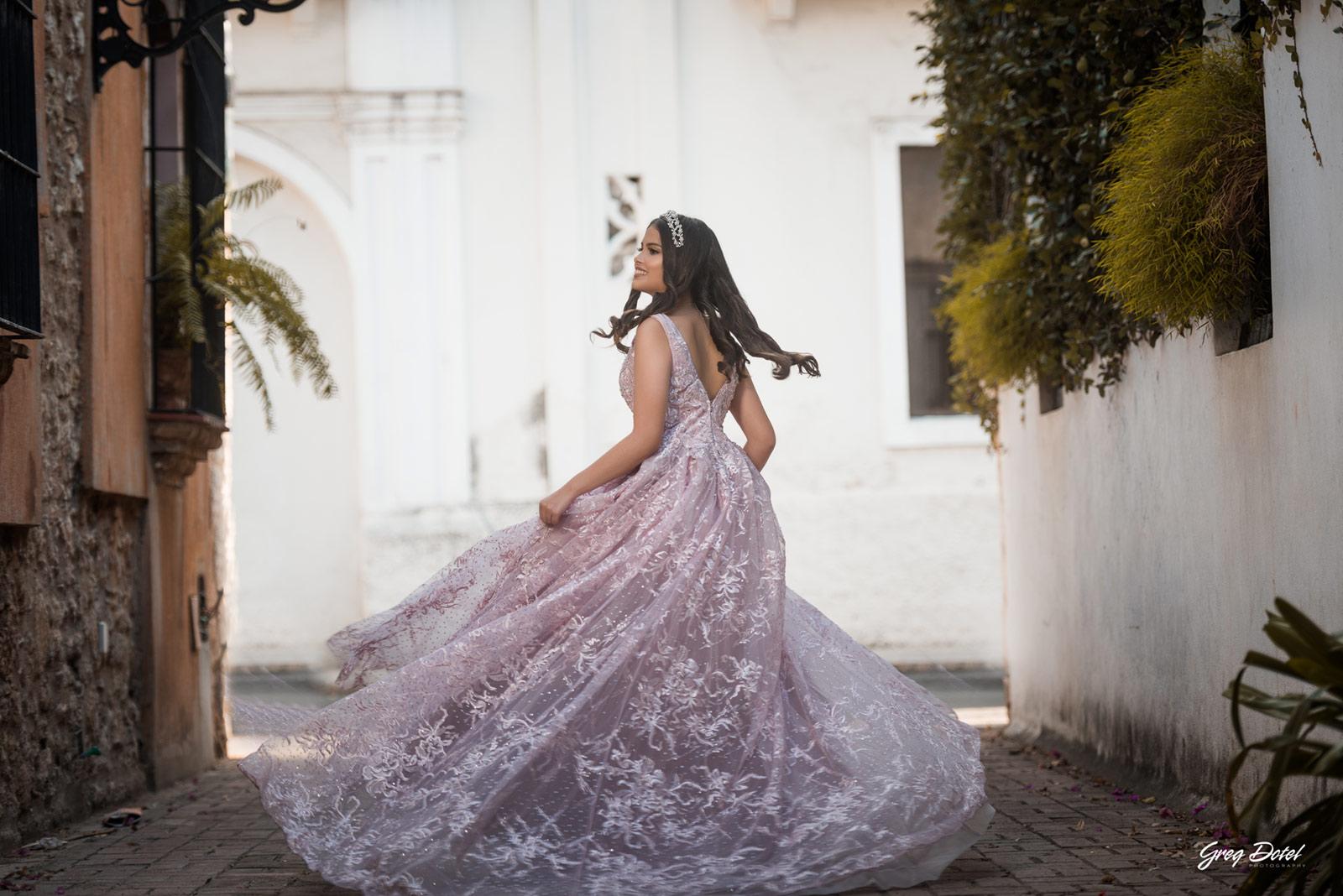Sesion de fotos en Callejon de los Curas, Zona Colonial de Santo Domingo, República Dominicana