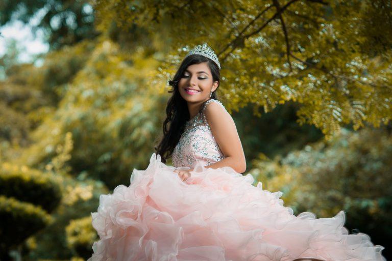 Sesión de fotos de Quinceañera en sus 15 años en el Jardín Botánico de Santo Domingo, República Dominicana