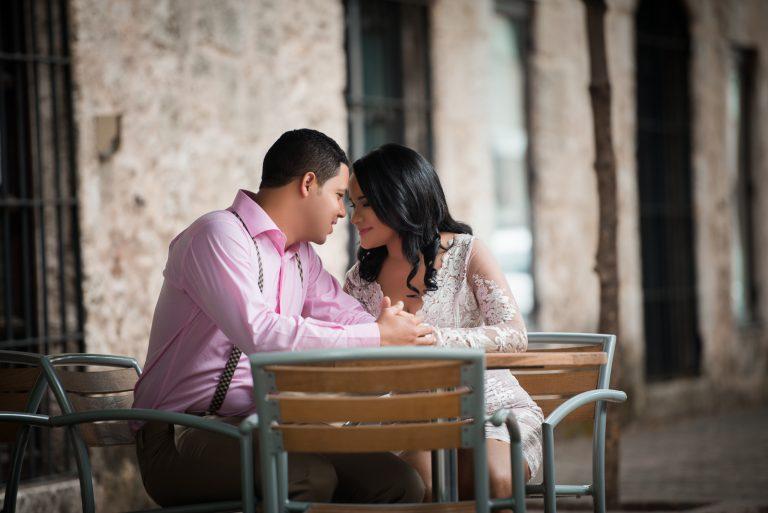 Una linda sesión de novios o pre boda en la Zona Colonial de Santo Domingo de Zoila y Luis
